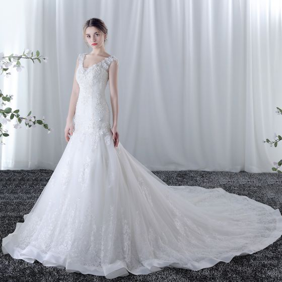 Chic / Beautiful Wedding Dresses 2017 White Trumpet / Mermaid Cathedral Train V-Neck Sleeveless Tassel Backless Lace Appliques Pearl Beading