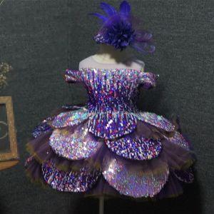 Fée Des Fleurs Violet Robe Ceremonie Fille 2020 Robe Boule Transparentes Encolure Dégagée Anniversaire Manches Courtes Paillettes Courte Volants en Cascade Dos Nu Robe Pour Mariage