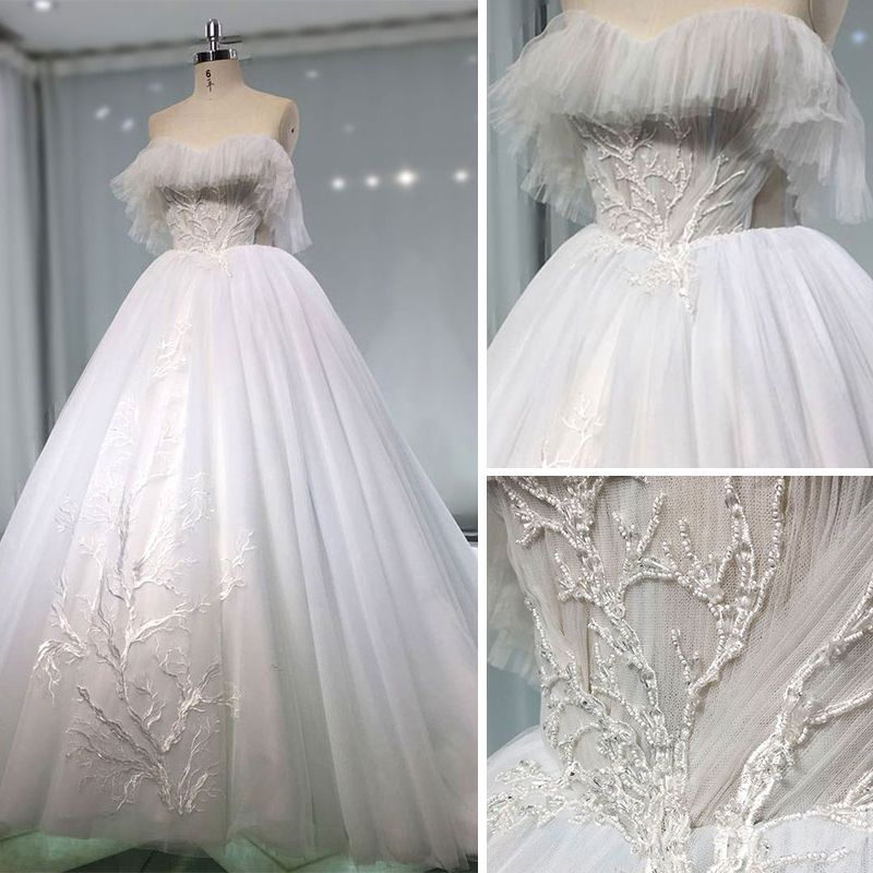 Best White Wedding Dresses 2019 A-Line / Princess Sweetheart Sleeveless Backless Appliques Lace Beading Cathedral Train Ruffle