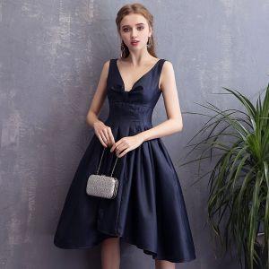 Piękne Granatowe Homecoming Sukienki Na Studniówke 2018 Princessa Bez Pleców V-Szyja Bez Rękawów Krótkie Sukienki Wizytowe