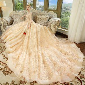 Luxus / Herrlich Champagner Brautkleider / Hochzeitskleider 2018 Ballkleid Off Shoulder Kurze Ärmel Rückenfreies Strass Glanz Königliche Schleppe Rüschen