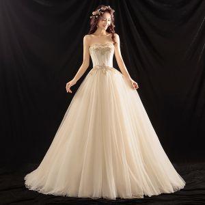 Elegante Champagner Brautkleider 2018 Ballkleid Perlenstickerei Perle Herz-Ausschnitt Rückenfreies Ärmellos Sweep / Pinsel Zug Hochzeit