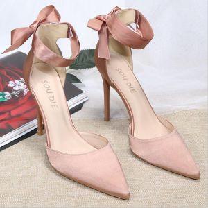 Mooie / Prachtige Nude Satijn Gala Sandalen Dames 2020 Strik Enkelband 10 cm Naaldhakken / Stiletto Spitse Neus Sandalen