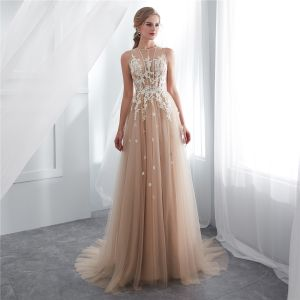 Illusion Champagne See-through Evening Dresses  2018 A-Line / Princess Scoop Neck Sleeveless Appliques Lace Sweep Train Ruffle Formal Dresses