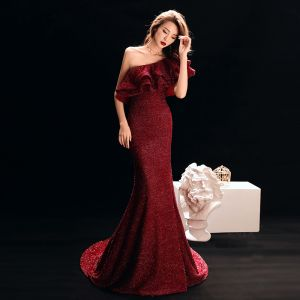 Sexy Burgundy Evening Dresses  2019 Trumpet / Mermaid One-Shoulder Glitter Satin Short Sleeve Backless Sweep Train Formal Dresses