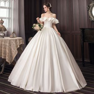 Modest / Simple Ivory Wedding Dresses 2020 Ball Gown Off-The-Shoulder Short Sleeve Backless Floor-Length / Long