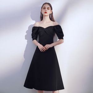 Modest / Simple Black Homecoming Graduation Dresses 2020 A-Line / Princess Off-The-Shoulder Puffy Short Sleeve Backless Tea-length Ruffle Little Black Dress