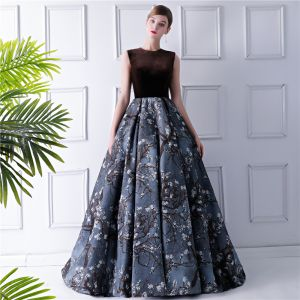 Modern / Fashion Brown Prom Dresses 2019 Ball Gown Scoop Neck Sleeveless Printing Flower Satin Court Train Ruffle Formal Dresses