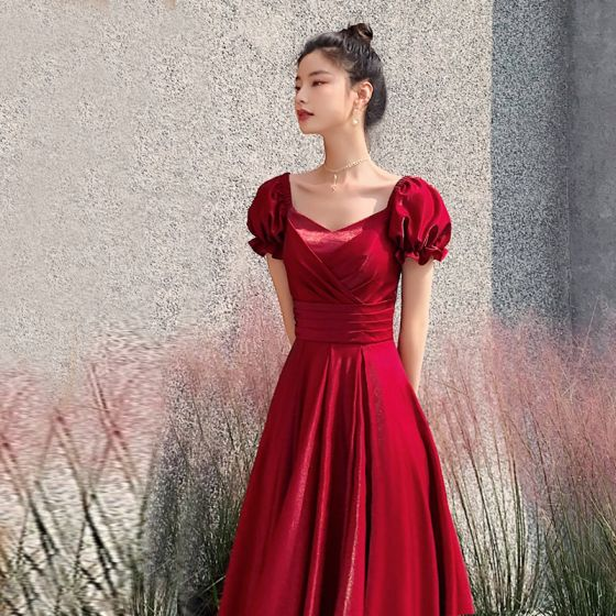Snygga / Fina Röd Aftonklänningar 2021 Prinsessa Fyrkantig Ringning Korta ärm Halterneck Långa Afton Formella Klänningar