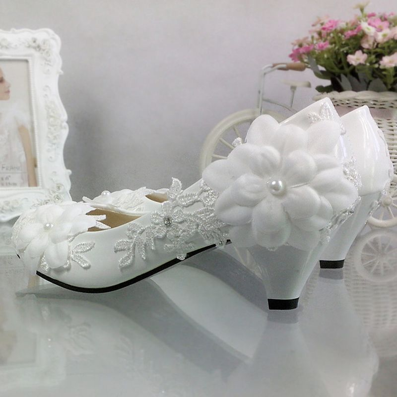 Chic / Beautiful 5 cm / 2 inch 2017 White Casual Church PU Lace High Heels Stiletto Heels Pumps Wedding Shoes