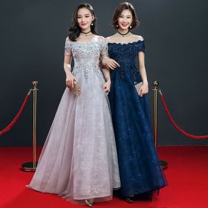 Affordable Evening Dresses  2018 Empire Off-The-Shoulder Short Sleeve Appliques Lace Beading Floor-Length / Long Ruffle Backless Formal Dresses
