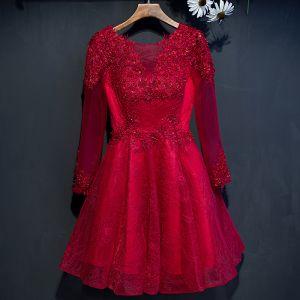 Hermoso Rojo Vestidos de graduación 2017 A-Line / Princess Flor Con Encaje Rebordear Scoop Escote Lentejuelas Manga Larga Cortos Vestidos Formales