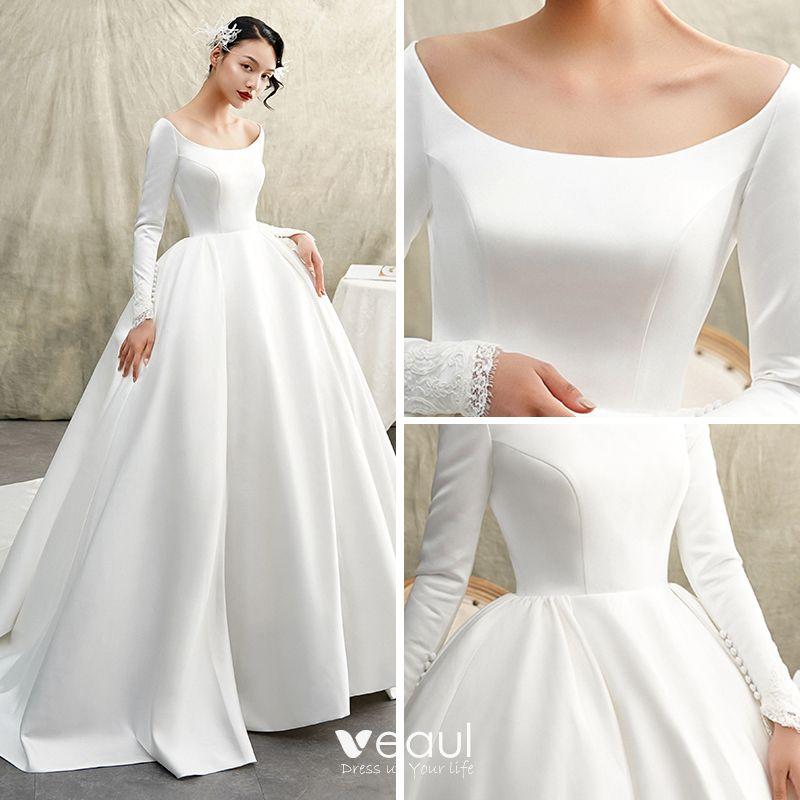 Winter Wedding Outfit Ideas: Vintage / Retro Ivory Satin Winter Wedding Dresses 2019