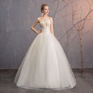 Affordable Ivory Wedding Dresses 2019 Ball Gown Strapless Lace Flower Sleeveless Backless Floor-Length / Long