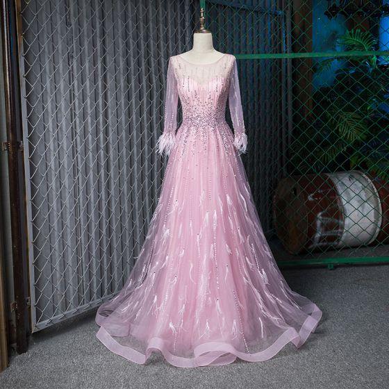 Fabelhaft Rosa Durchsichtige Abendkleider 2019 A Linie Rundhalsausschnitt 3/4 Ärmel Feder Handgefertigt Perlenstickerei Lange Rüschen Festliche Kleider