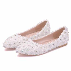 Chic / Beautiful White Wedding Shoes 2018 Lace Flower Rhinestone Pointed Toe Wedding Flat
