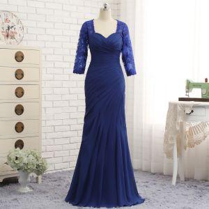 d5f8778943 Vintage Królewski Niebieski Sukienki Na Wesele Dla Mamy 2019 Koronkowe  Szyfon V-Szyja Aplikacje Frezowanie