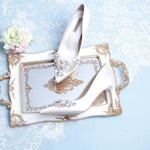 Sjarmerende Elfenben Brudesko 2019 Lær Satin Beading Perle Rhinestone 9 cm Stiletthæler Spisse Bryllup Pumps
