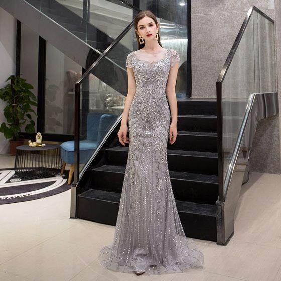 Luxus / Herrlich Grau Durchsichtige Abendkleider 2019 Meerjungfrau Rundhalsausschnitt Ärmel Handgefertigt Pailletten Perlenstickerei Sweep / Pinsel Zug Festliche Kleider