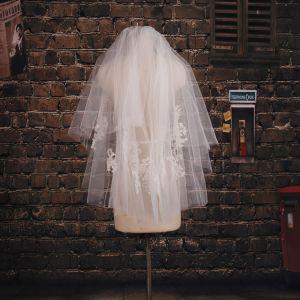 Kurzen Absatz Ästhetischen Weißen Spitzenschleier Brautschleier