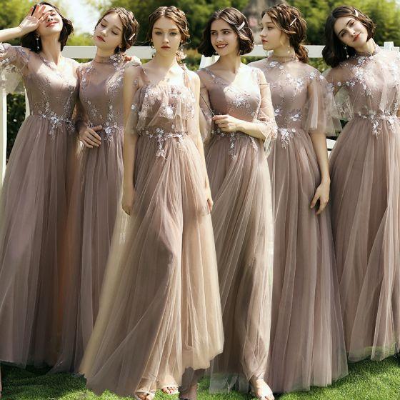 Niedrogie Brązowy Sukienki Dla Druhen 2020 Princessa Aplikacje Z Koronki Bez Pleców Długie Wzburzyć