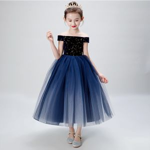 Chic / Beautiful Navy Blue Birthday Flower Girl Dresses 2020 Ball Gown Off-The-Shoulder Short Sleeve Backless Embroidered Star Tea-length Ruffle