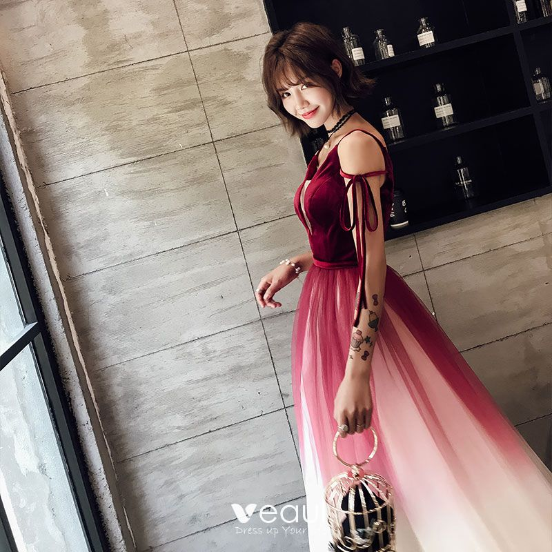 Modern / Fashion Burgundy Evening Dresses  2018 A-Line / Princess Spaghetti Straps V-Neck Sleeveless Sash Floor-Length / Long Ruffle Backless Formal Dresses