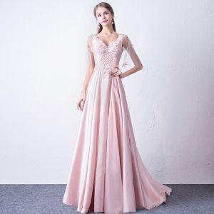 Mode Pink Abendkleider 2018 A Linie V-Ausschnitt 1/2 Ärmel Applikationen Blumen Perlenstickerei Hof-Schleppe Rüschen Rückenfreies Festliche Kleider