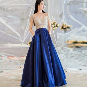 Illusion Royal Blue See-through Evening Dresses  2018 A-Line / Princess Scoop Neck Short Sleeve Floor-Length / Long Ruffle Formal Dresses