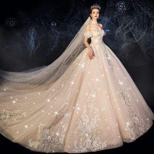 Luxus Victoriansk Stil Champagne Brudekjoler 2019 Prinsesse Off-The-Shoulder Rhinestone Pailletter Med Blonder Blomsten Kort Ærme Halterneck Royal Train