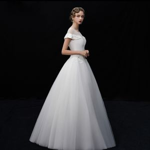 Vintage / Retro Ivory See-through Wedding Dresses 2019 A-Line / Princess Scoop Neck Short Sleeve Appliques Lace Sequins Beading Floor-Length / Long Ruffle