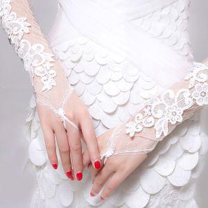 Witte Lange Gedeelte Van De Bruid Bruiloft Handschoenen Vingerloze Perspectief Bloemblaadjes Kant Bruiloft Accessoires