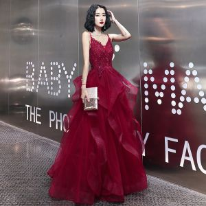 Fashion Burgundy Evening Dresses  2020 A-Line / Princess Spaghetti Straps Rhinestone Sequins Lace Flower Sleeveless Backless Cascading Ruffles Floor-Length / Long Formal Dresses