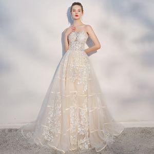 Eleganta Champagne Bröllopsklänningar 2018 Prinsessa Spets Appliqués Älskling Halterneck Ärmlös Domstol Tåg Bröllop