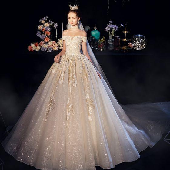 Bling Bling Champagne Bröllopsklänningar 2019 Prinsessa Av Axeln Korta ärm Halterneck Appliqués Spets Glittriga / Glitter Tyll Cathedral Train Ruffle