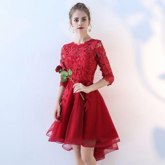 Piękne Burgund Sukienki Koktajlowe 2017 Princessa Z Koronki Kwiat Wycięciem 1/2 Rękawy Asymetryczny Sukienki Wizytowe