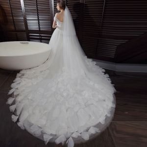 Chic / Beautiful Hall Wedding Dresses 2017 White Ball Gown Cathedral Train Sleeveless Shoulders Appliques Backless Feather Flower