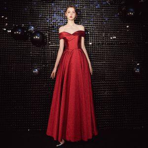 Schöne Rot Abendkleider 2020 A Linie Off Shoulder Ärmellos Rückenfreies Lange Festliche Kleider