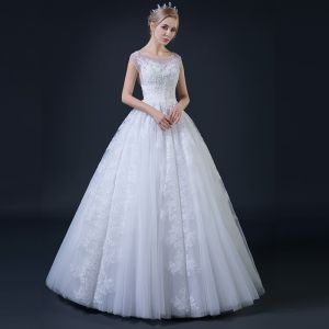 Affordable White Pierced Wedding Dresses 2018 Ball Gown Square Neckline Cap Sleeves Backless Appliques Lace Beading Floor-Length / Long Ruffle