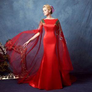 Style Chinois Rouge Robe De Soirée 2018 Trompette / Sirène Appliques Cristal Encolure Carrée Watteau Train Sans Manches Train De Balayage Robe De Ceremonie