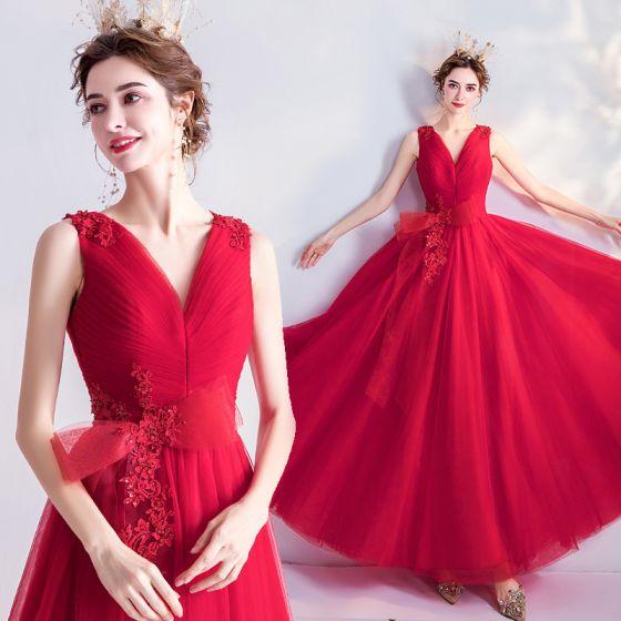 Snygga / Fina Röd Balklänningar 2020 Prinsessa V-Hals Rosett Beading Paljetter Spets Blomma Ärmlös Halterneck Långa Formella Klänningar