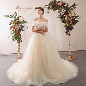 Eleganckie Szampan Suknie Ślubne 2020 Princessa Przy Ramieniu Kokarda Z Koronki Kwiat Aplikacje Kótkie Rękawy Bez Pleców Trenem Katedra