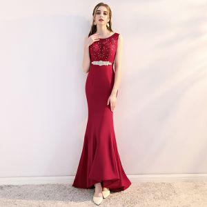 Chic / Beautiful Burgundy Evening Dresses  2018 Trumpet / Mermaid Lace Appliques Crystal Rhinestone Scoop Neck Sweep Train Sleeveless Formal Dresses