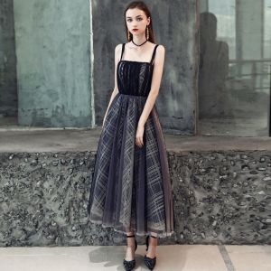 Chic / Beautiful Black Homecoming Graduation Dresses 2019 A-Line / Princess Spaghetti Straps Sleeveless Stripe Short Ruffle Backless Formal Dresses