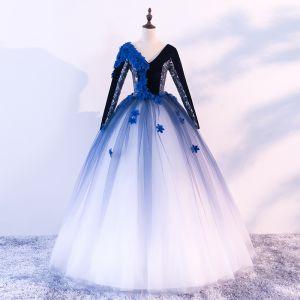 Vintage Quinceañera Schwarz Königliches Blau Weiß Ballkleider 2018 Ballkleid V-Ausschnitt Lange Ärmel Applikationen Blumen Perlenstickerei Lange Rüschen Rückenfreies Festliche Kleider