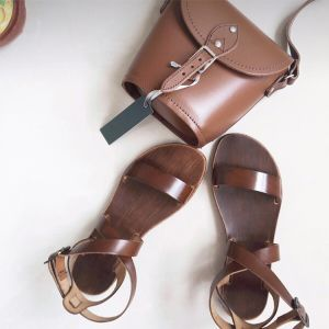 Chic / Beautiful 2017 Brown Beach Casual Outdoor / Garden PU Summer Buckle Flat Sandals Open / Peep Toe Womens Sandals