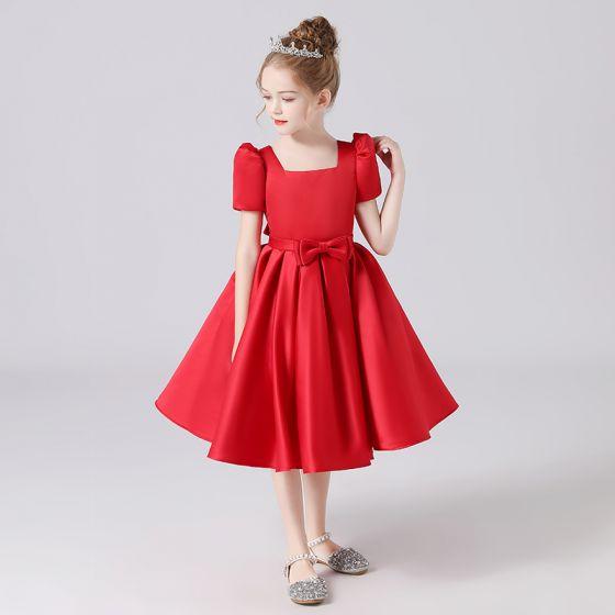 Vintage Rot Satin Geburtstag Blumenmädchenkleider 2021 Ballkleid Eckiger Ausschnitt Kurze Ärmel Schleife Stoffgürtel Rückenfreies Wadenlang Rüschen