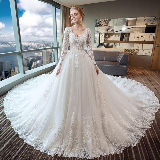 Eleganckie Kość Słoniowa Suknie Ślubne 2017 Princessa V-Szyja Długie Rękawy Bez Pleców Aplikacje Z Koronki Frezowanie Perła