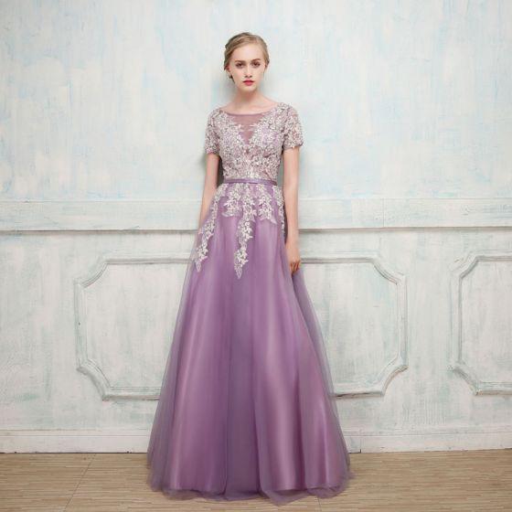Chic / Beautiful Grape Evening Dresses  2017 A-Line / Princess Lace Flower Beading Sequins Scoop Neck Short Sleeve Floor-Length / Long Formal Dresses