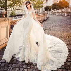 Charming See-through Champagne Wedding Dresses 2019 A-Line / Princess Scoop Neck 1/2 Sleeves Backless Appliques Lace Chapel Train Ruffle